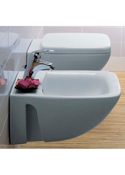 Sanitari sospesi filo muro cantica ideal standard vaso wc for Sanitari sospesi ideal standard